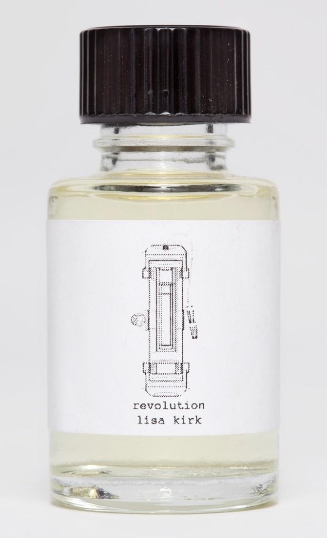 le parfum qui sent la r volution mon c t fille. Black Bedroom Furniture Sets. Home Design Ideas