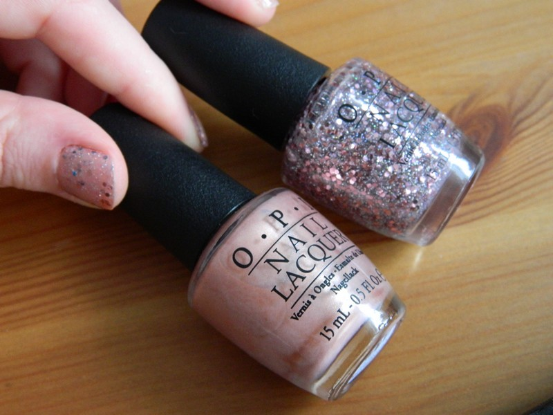 a buttefly moment et pink yet lavender OPI