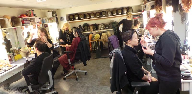 Dans les coulisses du bal des vampires - les coulisses d un theatre - le studio maquillage